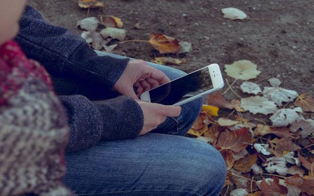 راههای مراقبت از چشم هنگام کار کردن با موبایل 3